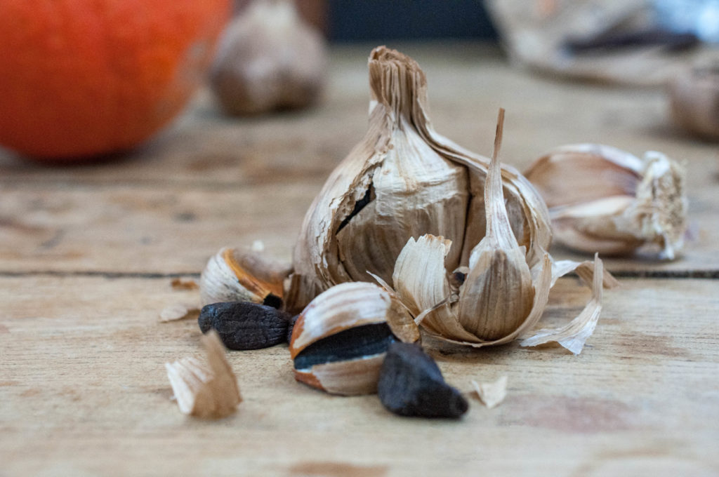 Ail noir - Black Garlic - L'étuverie - Bulbe